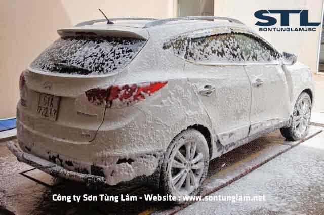 máy tạo bọt tuyết rửa xe ô tô
