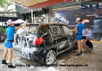 rửa xe ô tô bằng máy tạo bọt