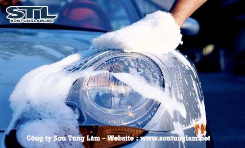 Rửa xe ô tô bằng máy bơm cao áp