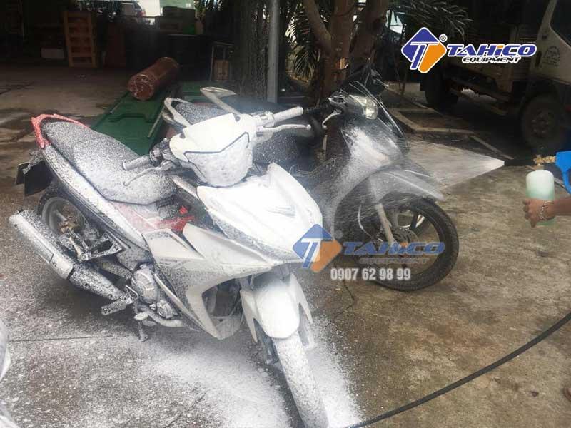Sử dụng vệ sinh xe máy