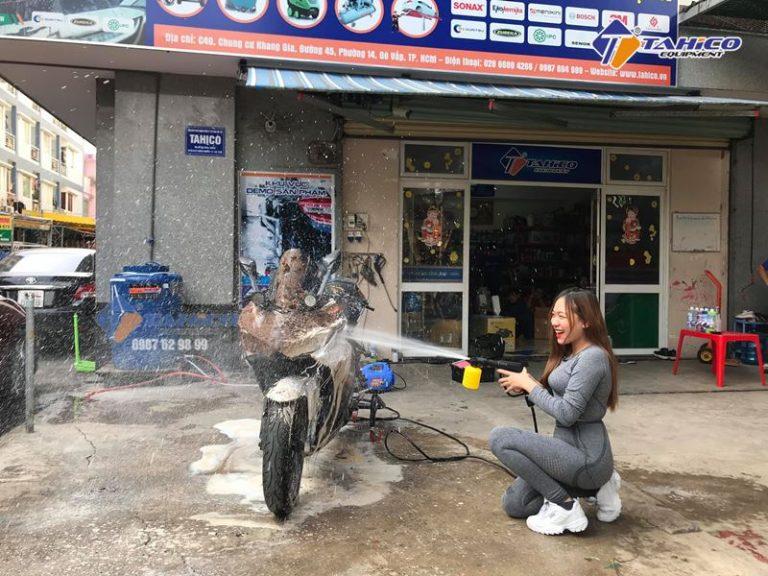 may-rua-xe-mini-gia-dinh-3